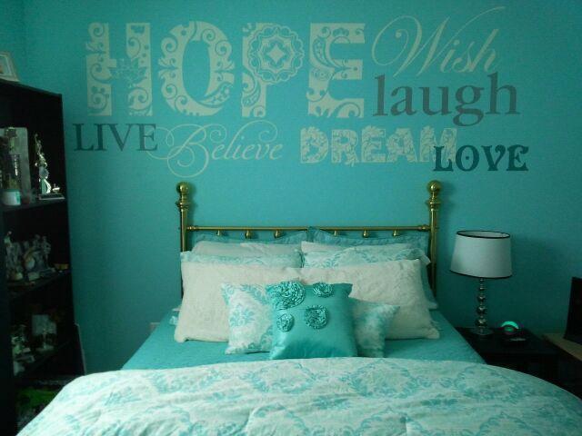 Colores de pintura ideales para decorar habitaciones de for Girl blue bedroom ideas